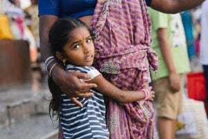 Free a girl challenge hypnotherapeute Loes zet zich in om jonge meisjes in India te helpen